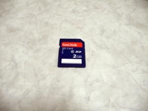 誤ってデータを全消去した。 Kingston SDカード 2GB