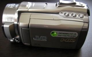 DVDにデータを焼こうとし、誤って全動画を削除した。 Victor Everio GZ-HM400-S